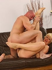 Horny blonde gets reamed and creamed