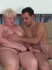 After fucking his old lover hard he pulls out and cums on her chubby tummy to make a mess